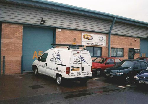 Reach & Wash company van